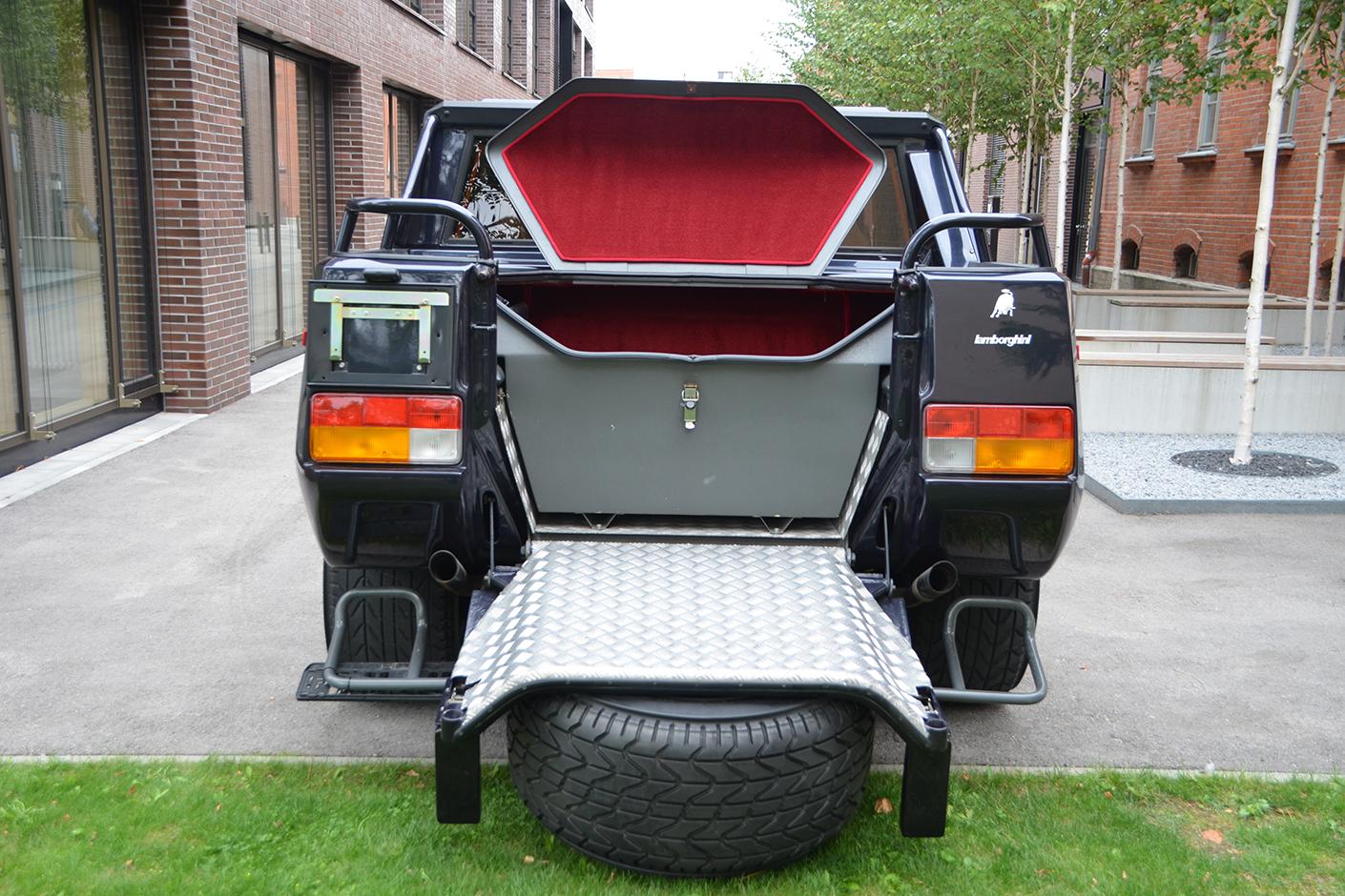 Lamborghini LM002 1992-7