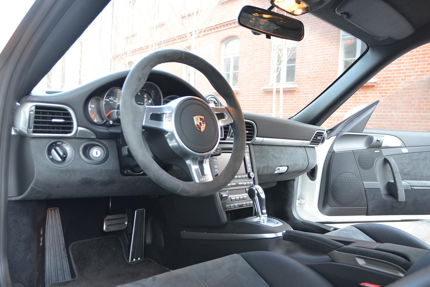 Porsche 997 Carrera GTS 2011-11