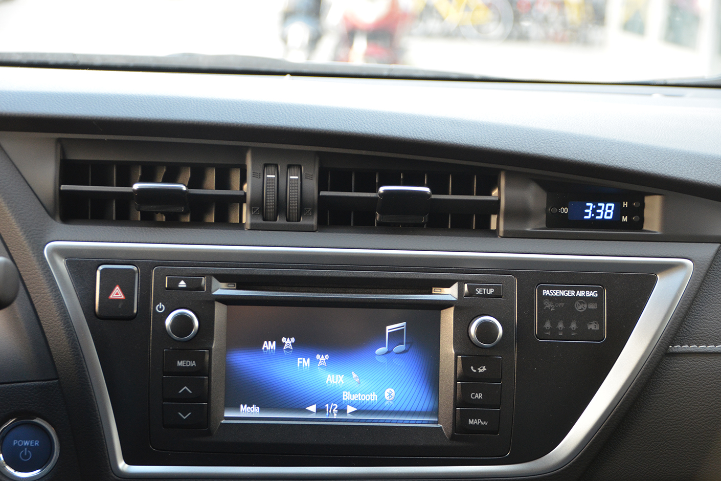 Toyota Auris Touring Sports 2015-12